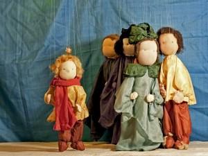 Marionettentheater - Der Goldene Apfel, Gruppenbild mit Apfel