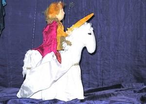 Marionettentheater - Der goldene Dragoner auf dem fliegenden Pferd