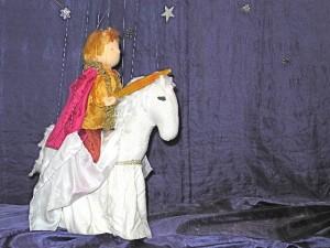 Marionettentheater - der goldene Dragoner