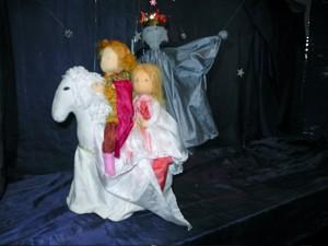 Marionettentheater - Die Rettung durch den goldenen Dragoner?