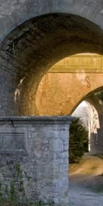 Der Torbogen des Schlosses Kirchberg